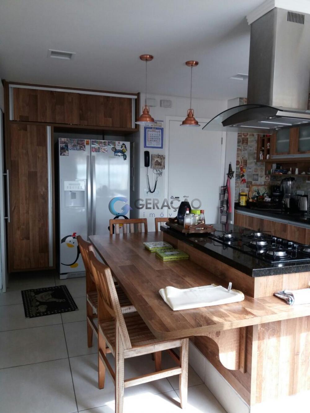 Sao Jose dos Campos Apartamento Venda R$1.300.000,00 Condominio R$1.093,00 4 Dormitorios 1 Suite Area construida 284.00m2