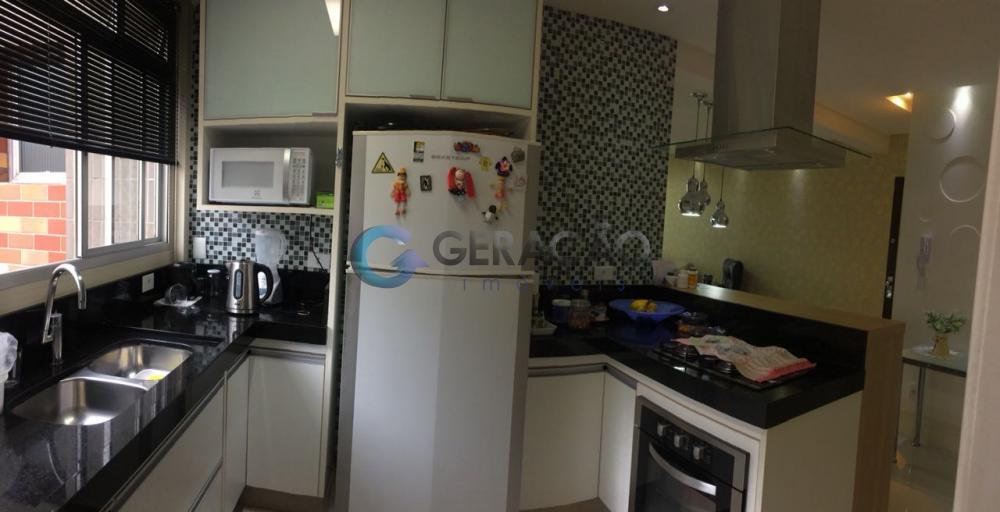 Comprar Apartamento / Padrão em São José dos Campos R$ 430.000,00 - Foto 2