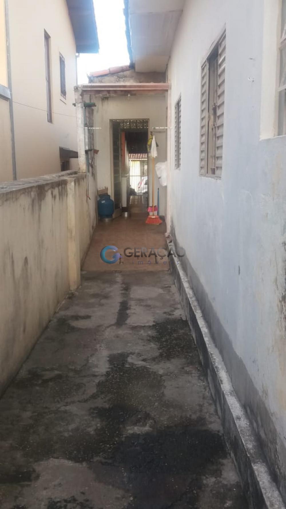 Comprar Casa / Padrão em São José dos Campos R$ 450.000,00 - Foto 18