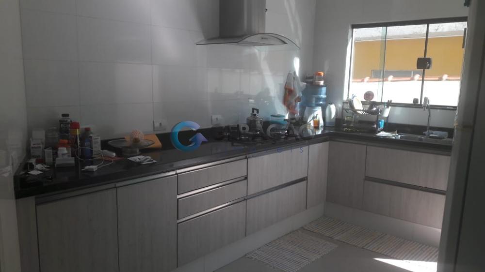 Comprar Casa / Padrão em Santa Branca R$ 850.000,00 - Foto 12