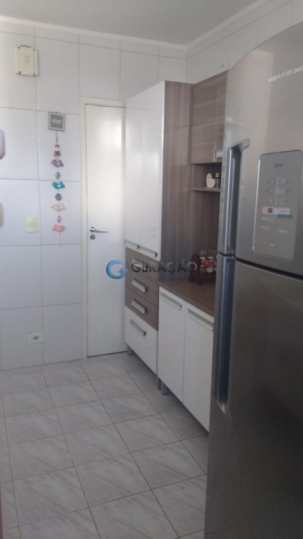 Comprar Apartamento / Padrão em São José dos Campos apenas R$ 220.000,00 - Foto 2