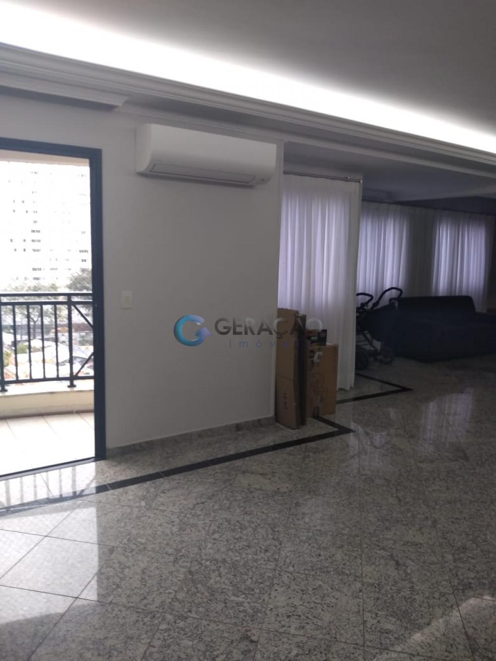 Sao Jose dos Campos Apartamento Venda R$1.300.000,00 Condominio R$1.550,00 4 Dormitorios 2 Suites Area construida 200.00m2