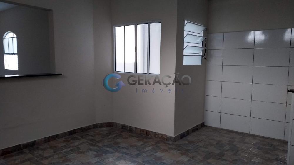 Alugar Casa / Padrão em São José dos Campos apenas R$ 1.050,00 - Foto 3