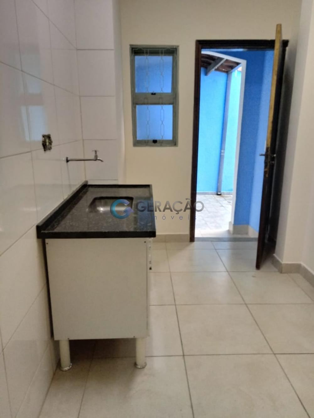 Alugar Comercial / Casa em São José dos Campos R$ 3.800,00 - Foto 17