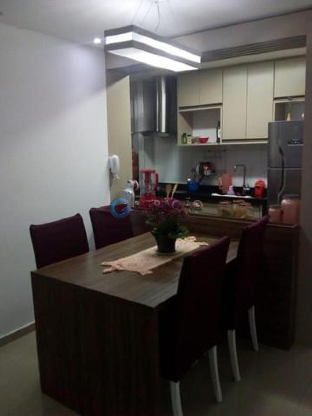 Comprar Apartamento / Padrão em São José dos Campos R$ 265.000,00 - Foto 2