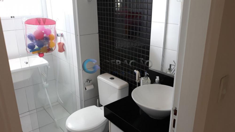 Comprar Apartamento / Padrão em São José dos Campos apenas R$ 350.000,00 - Foto 4