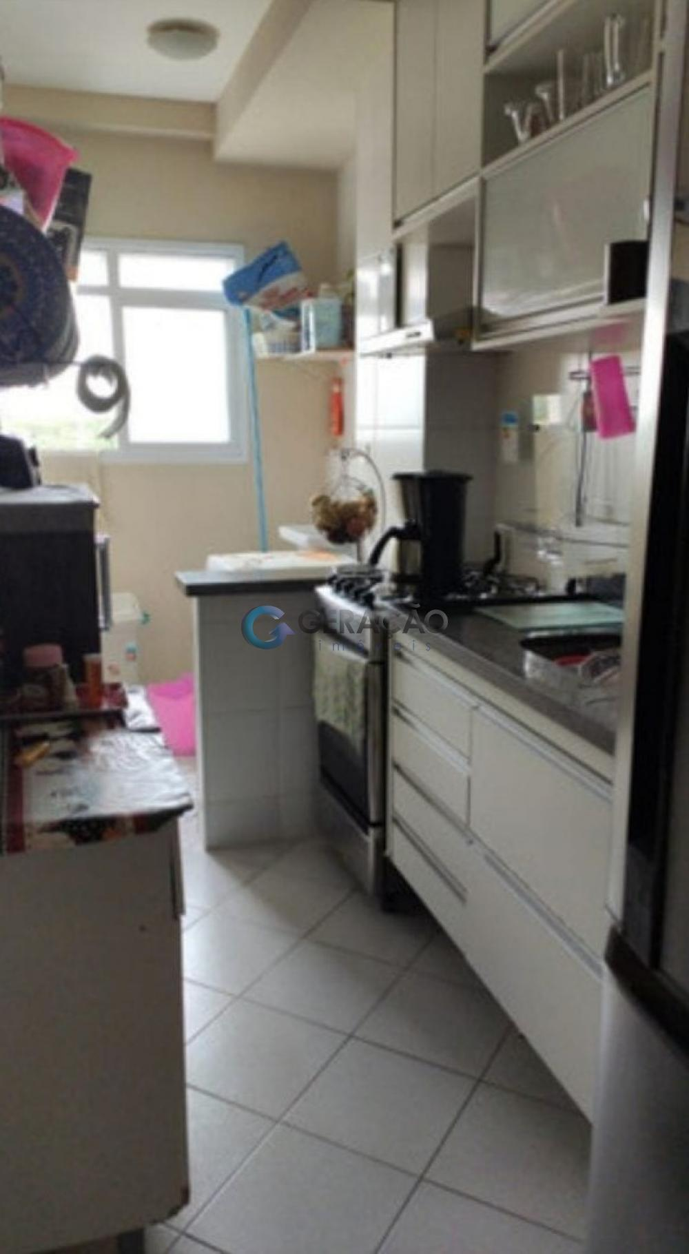 Comprar Apartamento / Padrão em São José dos Campos apenas R$ 320.000,00 - Foto 3