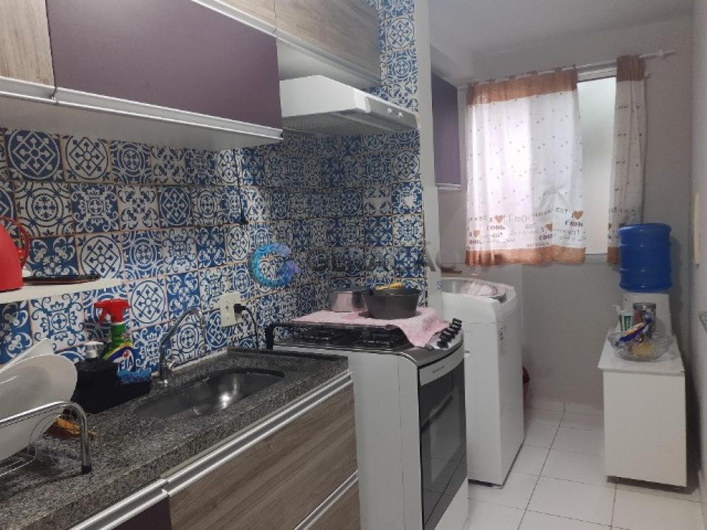 Comprar Apartamento / Padrão em São José dos Campos R$ 210.000,00 - Foto 3