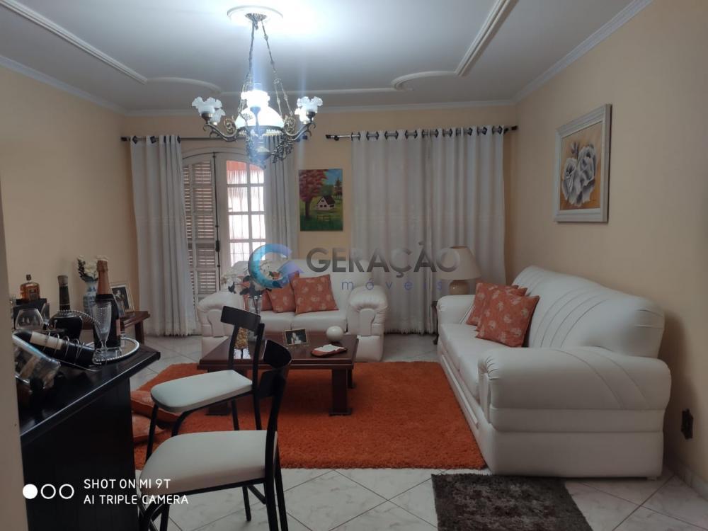 Comprar Casa / Padrão em São José dos Campos R$ 640.000,00 - Foto 2