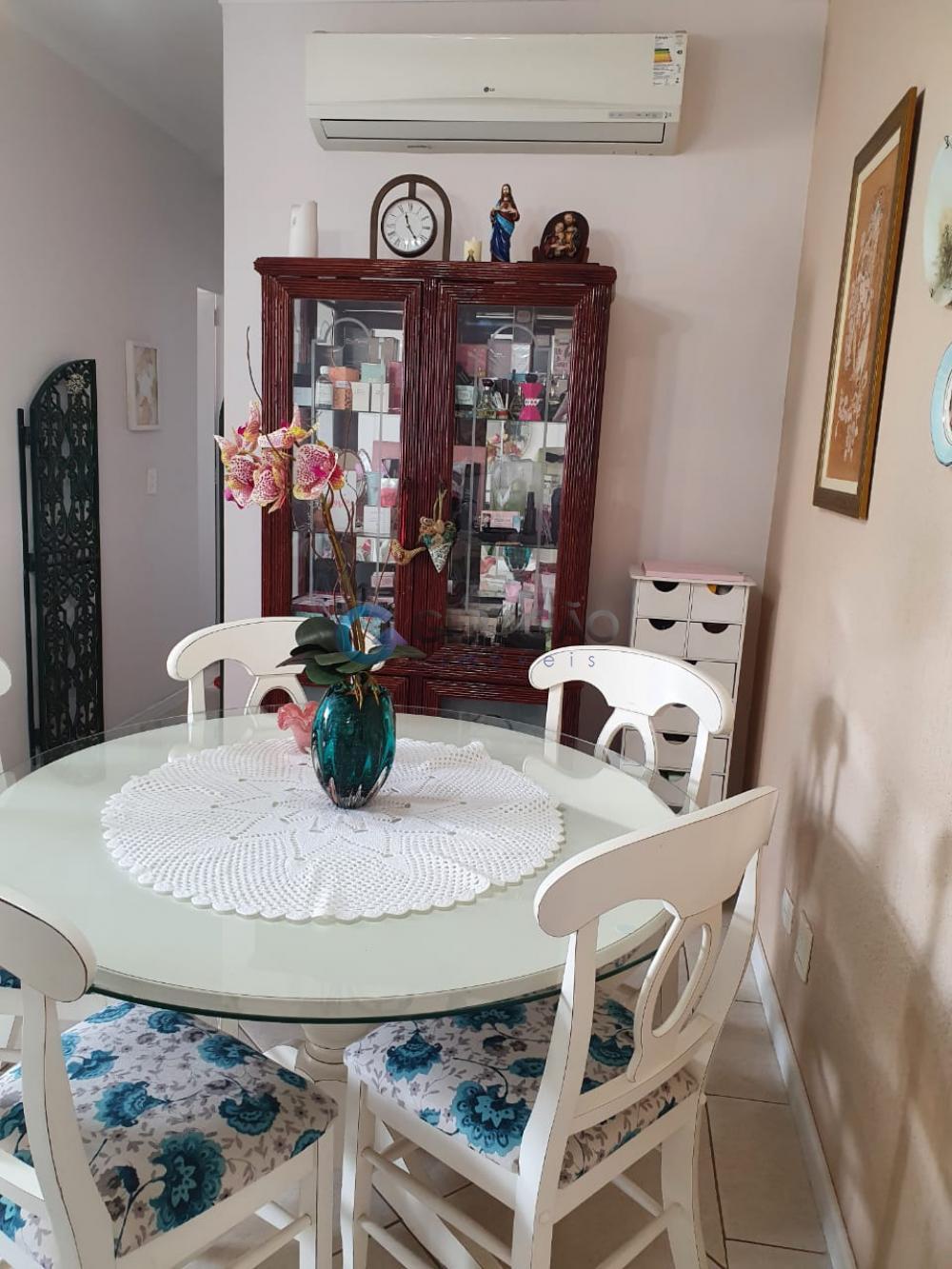 Comprar Apartamento / Padrão em São José dos Campos R$ 330.000,00 - Foto 5
