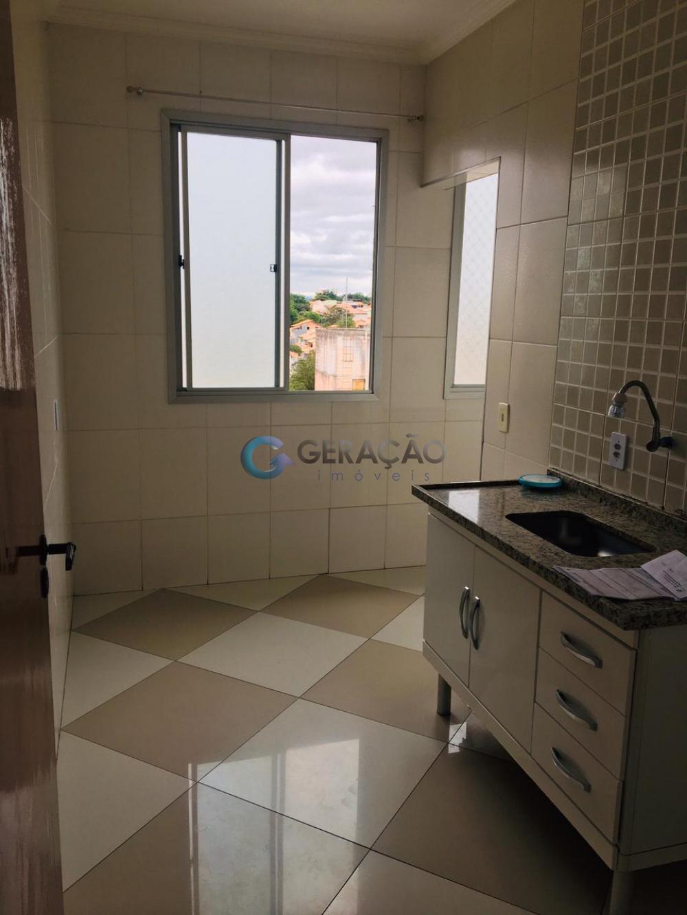 Comprar Apartamento / Padrão em São José dos Campos R$ 176.000,00 - Foto 5