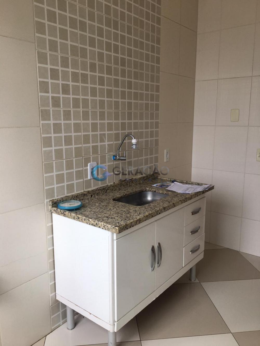 Comprar Apartamento / Padrão em São José dos Campos R$ 176.000,00 - Foto 6