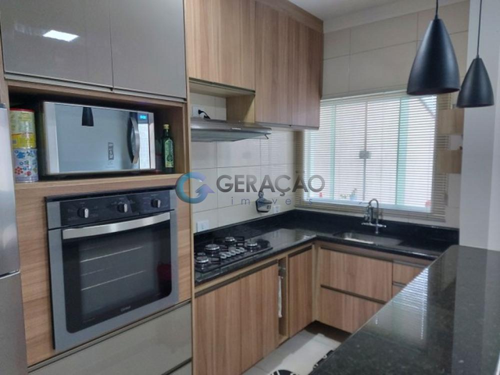 Comprar Casa / Padrão em São José dos Campos R$ 240.000,00 - Foto 1