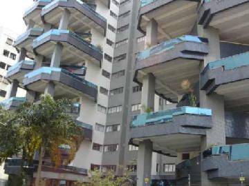 Alugar Apartamento / Padrão em São José dos Campos. apenas R$ 6.000,00