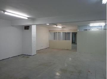 Alugar Comercial / Galpão em São José dos Campos. apenas R$ 14.000,00