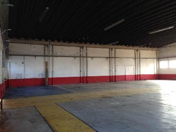 Alugar Comercial / Galpão em Jacareí. apenas R$ 13.500,00