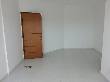 Alugar Apartamento / Padrão em Jacareí. apenas R$ 1.400,00