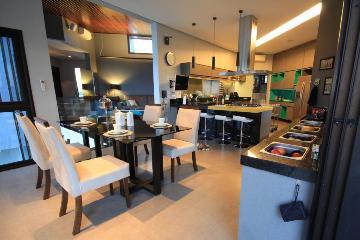 Casa / Condomínio em São José dos Campos , Comprar por R$2.200.000,00