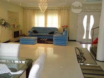 Alugar Casa / Padrão em Jacareí. apenas R$ 1.200.000,00
