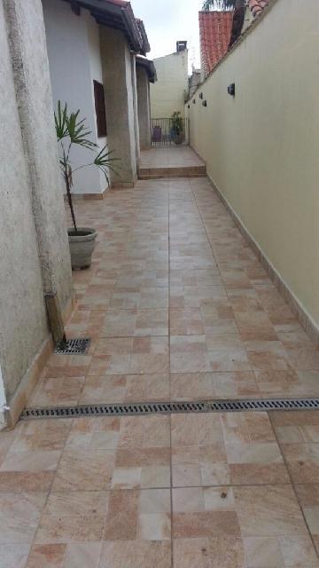 Alugar Casa / Condomínio em Caraguatatuba. apenas R$ 1.100,00