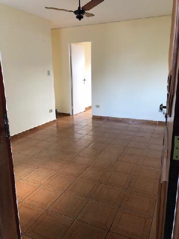 Alugar Apartamento / Padrão em São José dos Campos. apenas R$ 600,00