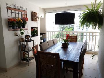 Apartamento / Padrão em São José dos Campos Alugar por R$2.400,00