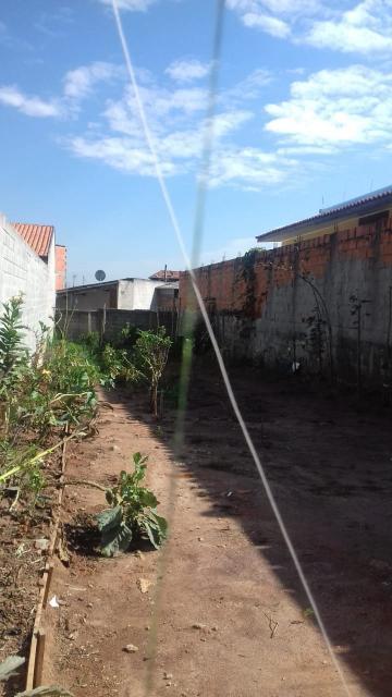 Terreno / Padrão em São José dos Campos , Comprar por R$100.000,00