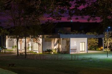Alugar Terreno / Condomínio em Caçapava. apenas R$ 200.000,00
