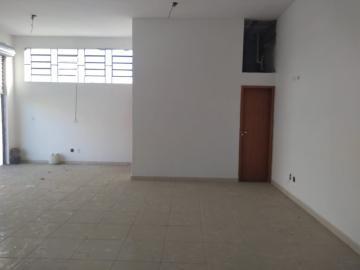 Alugar Comercial / Ponto Comercial em São José dos Campos. apenas R$ 900,00