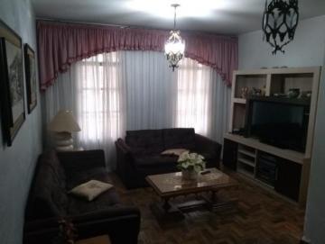 Alugar Casa / Padrão em São José dos Campos. apenas R$ 630.000,00