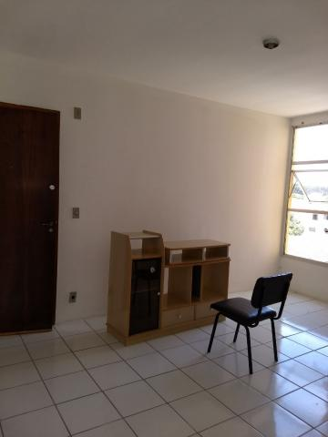 Apartamento / Padrão em São José dos Campos , Comprar por R$185.000,00