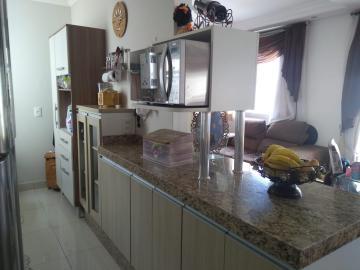 Apartamento / Padrão em São José dos Campos , Comprar por R$245.000,00