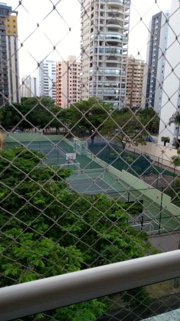 Apartamento / Padrão em São José dos Campos , Comprar por R$395.000,00