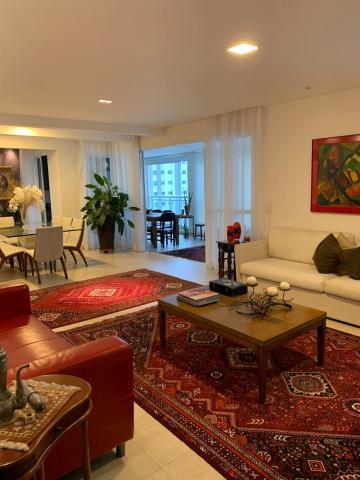 Apartamento / Padrão em São José dos Campos , Comprar por R$2.100.000,00