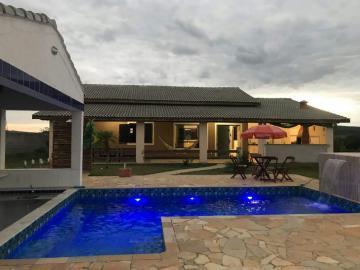 Alugar Casa / Padrão em Caçapava. apenas R$ 480.000,00