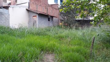 Alugar Terreno / Padrão em Cachoeira Paulista. apenas R$ 205.000,00