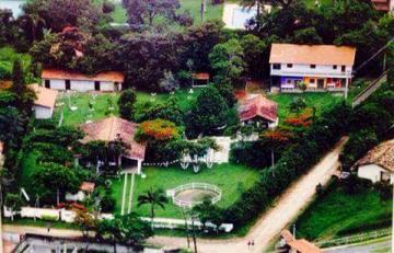 Alugar Casa / Padrão em Guararema. apenas R$ 1.590.000,00