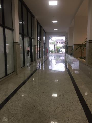 Comercial / Sala em Condomínio em São José dos Campos Alugar por R$1.350,00