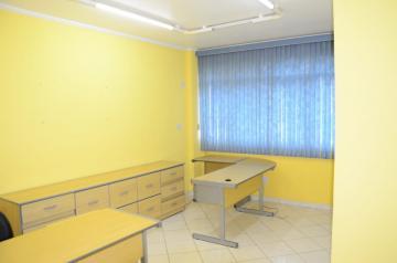 Comercial / Sala em São José dos Campos Alugar por R$650,00