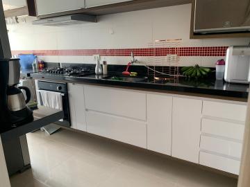 Apartamento / Padrão em São José dos Campos , Comprar por R$228.000,00