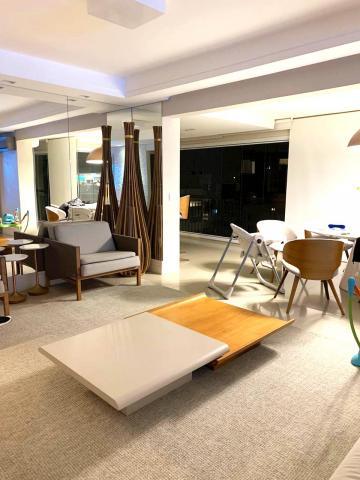 Apartamento / Padrão em São José dos Campos , Comprar por R$1.650.000,00