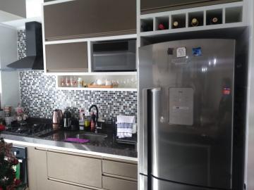 Apartamento / Padrão em Jacareí , Comprar por R$320.000,00