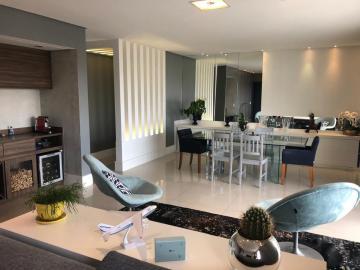 Alugar Apartamento / Padrão em São José dos Campos. apenas R$ 975.000,00